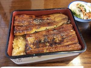 つくばの鰻屋さん「松乃家」で昼食。うな重と肝吸いのセット